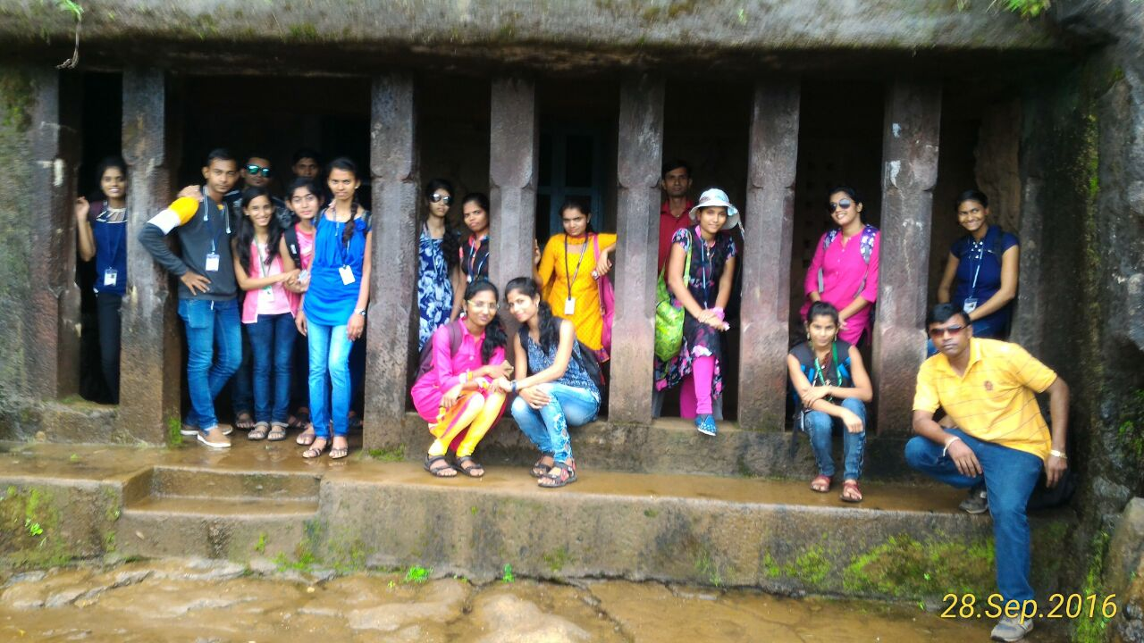 Visit to Loha of History Department